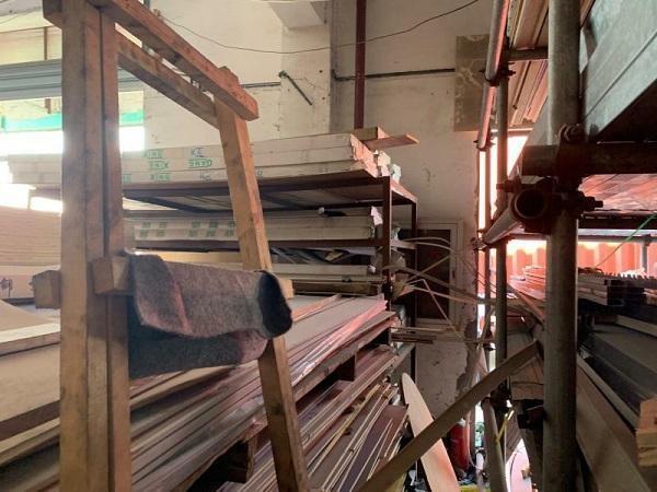 上海金山一建材市场火灾隐患重重被查封